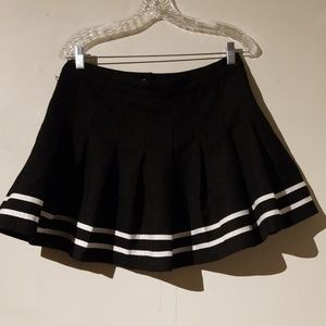 H&M Skirts - H&M Black & White Pleated Schoolgirl Skirt Size 10
